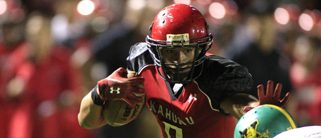 Running Back Soli Afalava put up 120 yards and a TD against Kaimuki on Aug. 23. (Krystle Marcellus / Star-Advertiser)
