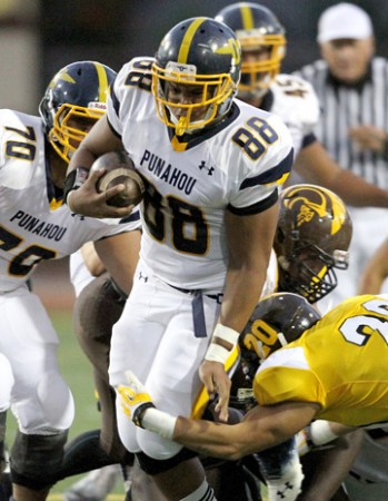 Kotoni Sekona and Punahou play Helix (Calif.) in San Diego on Saturday. (Jay Metzger / Special to the Star-Advertiser)