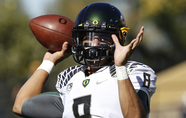 Saint Louis alum Marcus Mariota accounted for a career-high seven touchdowns for Oregon on Saturday. (Associated Press)