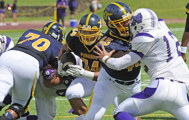 Punahou defeated Damien 48-0 on Sept. 7. (Bruce Asato / Star-Advertiser)