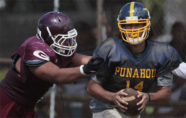 Punahou and quarterback Larry Tuileta started its season with a scrimmage against Farrington. Now the two teams will vie for a spot in the state championship game. (Jamm Aquino/The Honolulu Star-Advertiser).